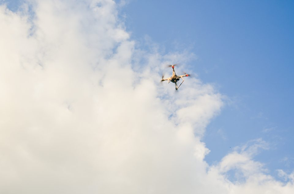 Legislație: Care sunt condițiile în care poți zbura cu drona în țările UE?