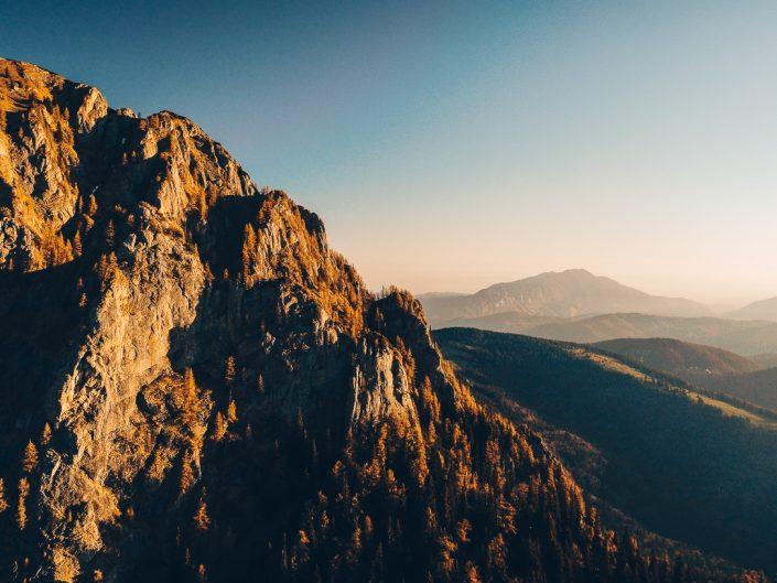 Răsărit de primăvară în Munții Bucegi